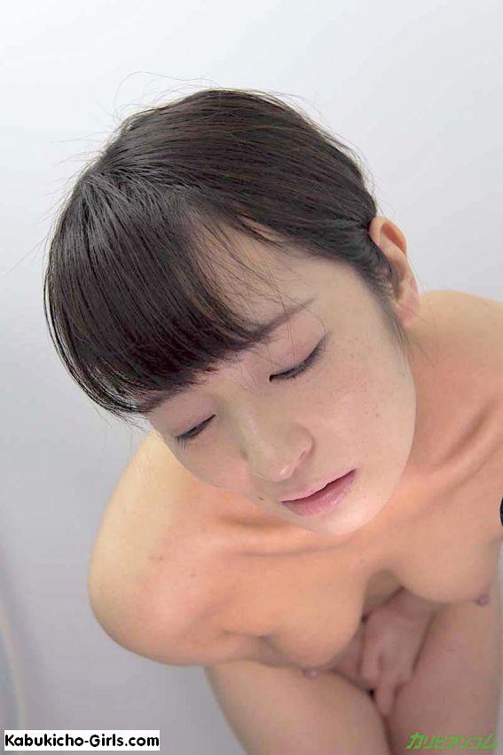 THE 未公開, オリジナル動画, 美乳, 放尿, スレンダー, Yukari Ayaka, small boobs, pissing, shower fetish play, shaved pussy, shy, no mosaic, uncensored,