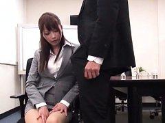 Japanese AV Model in tight and short skirt sees bo...