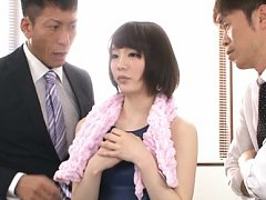 Airi Suzumura Asian is touched with vibrator on ba...