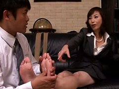 Japanese AV Model is undressed of stockings and ha...