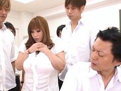 Maria Yumeno Asian shows huge hooters to students...