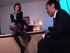 Akari Asahina Asian is sexy on office and has nipp...