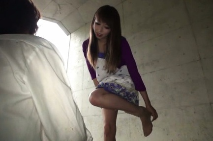 Emiko Ejima Asian has love box licked over stockin...