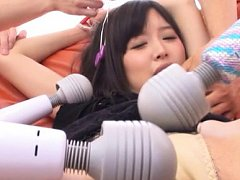 Babe Tsukasa Aoi gets excited by four boys and the...