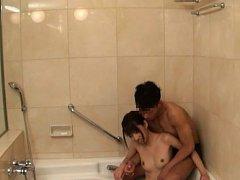 Japanese AV Model all naked has poonanie rubbed by...