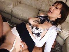 Sayuri Kinsei Asian rubs her clit while is pumped...