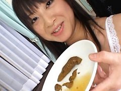 Hina Hinako shits on a plate and a guy hands it to...