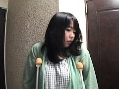 Japanese AV Model busty and in crutches has pain r...