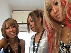 Mana Izumi Asian and naughty babes want to clean i...