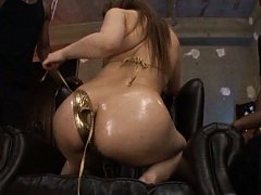 Shiori Kamisaki with big ass oiled is touched all...