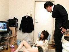 Japanese AV Model is caught rubbing her clit at po...