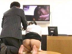 Japanese AV Model sees her own ass and vagina on s...