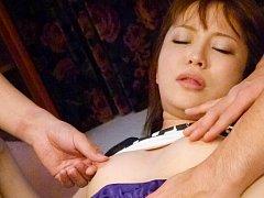 Maomi Nakazawa Asian has labia spread and gives st...