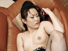Hitomi Aizawa Asian gets hard cock deep in her fin...