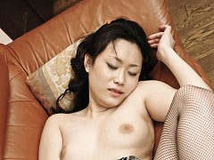 Hitomi Aizawa Asian rubs her hairy twat and has it...