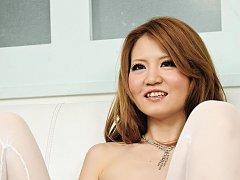 Sakamoto Hikari Asian shows pink slit and teases w...
