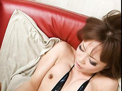 Misa Kikouden Asian gets many vibrators on slit an...