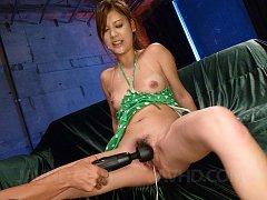 Nozomi Nishiyama Asian sucks two tools and has bea...