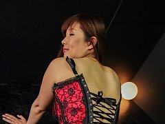 Reiko Shimura in kinky corset has clit under vibra...