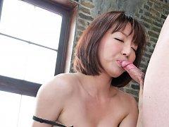 Izumi Manaka in black lingerie enjoys vibrator and...