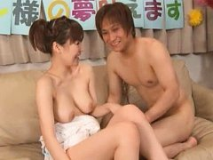 Jav Asian babe with big jugs has love box licked a...