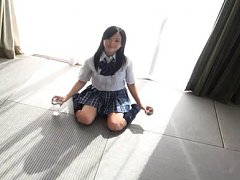 Niina Aizawa Asian shows fine ass in panty under u...