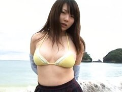 Chisa Murata Asian shows big tits in bra and dirty...