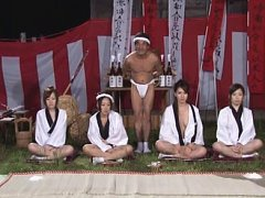 Jav Asian babe and dolls in cloths ride dildo same...