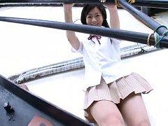 Hitomi Sakai Asian in white lingerie washes her sc...