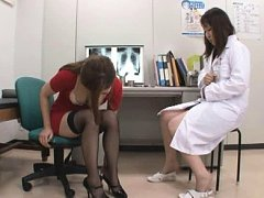 Jav Asian babe in stockings shows pussy in pants t...