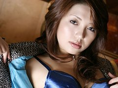 Gorgeous asian babe arouses with her stacked naked...
