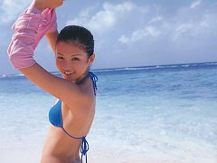 Energetic asian beauty with a round high bottom in...
