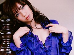Gorgeous asian goddess covers her petite boobs in...