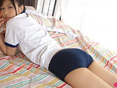 Rina Toiro Asian in sports outfit is naughty playi...