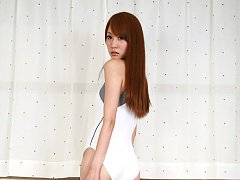 Saki Ueda Asian proudly shows her appetizing curve...