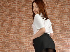 Rina Itoh Asian on heels and sexy office outfit is...