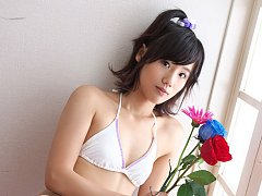Yuzuki Hashimoto Asian with hot body in bath suit...