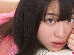 Hijiri Sachi Asian has sexy tummy and juicy jugs i...