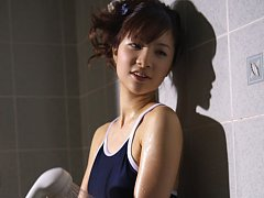 Cocoro Amachi Asian spoils hot body with shower ov...