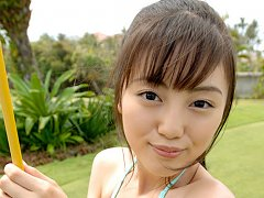 Miyuu Sawai teases her fans by showing off her nea...