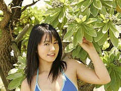 Heart melting gravure beauty with long hair and vo...