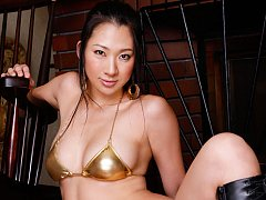Thick asian hottie showing off her sexy body in a...