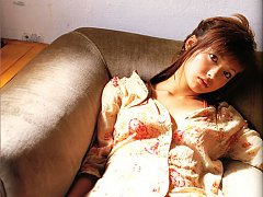 Beautiful gravure idols big brown eyes allures and...