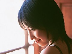 Sensual gravure idol beauty laying around in her l...