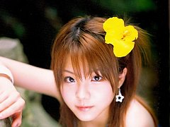 Heavenly gravure idol babe melts the heart in her...