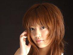 Enchanting asian babe shows off her beautiful body...
