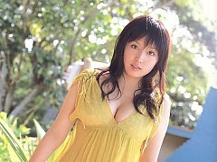 Stacked gravure idol hottie with big busty boobs i...