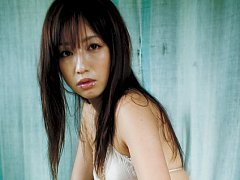 Maomi Yuuki Asian is perfect model to pose in diff...
