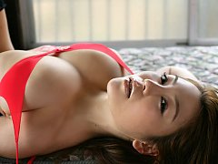 Yoko Matsugane Asian plays with huge cans and show...