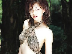 Exquisite asian chick displaying her delicious bod...
